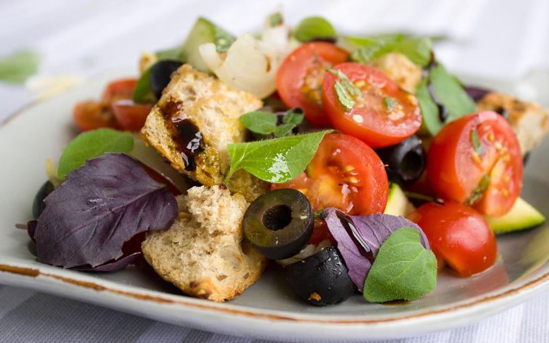 olivenoel-apulien-italien-salate